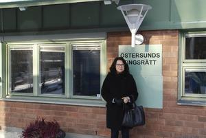 – Jag gillar verkligen att vara i domstolen. Det är en särskild nerv att delta i en förhandling; det är viktigt att vara förberedd och snabbtänkt, säger aktuella Östersundsadvokaten Emma Fällman.