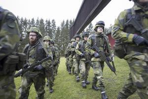 Soldater. Den allmänna värnplikten lades ned 2010. Bilden togs i Enköping vid en av de få repövningar som genomförts sedan dess.Foto: Fredrik Sandberg/TT