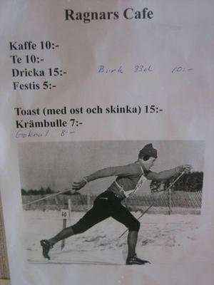 I Allaktivitetshallen i Föllinge har fiket döpts till Ragnars Café.
