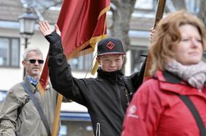 Yngsta fanbäraren. Jakob Idril är yngsta fanbärare, och bär fanan för SSU i majtåget.