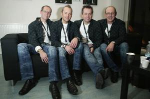 Jannez, från vänster Peo Grufvelgård, Jörgen Sandström, Kjelle Danielsson och Jan Oscarsson,  direkt efter tv-sändningen i lördags.foto: andreas persson