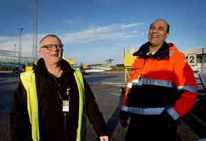 Lennart Dahlin och Rahim Sotoudeh är lärare på fordons- och transportprogrammet på Timrå gymnasium.