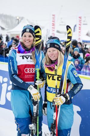 Anna Holmlund och Sandra Näslund under världscuptvälingen i Idre 2016.