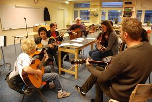 Den 17:e december kommer musikeleverna att bjuda på en julkonsert i Bergsjö kyrka.
