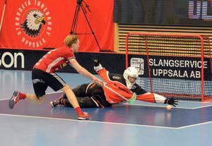 IBF Faluns andremålvakt, Emil Lilja, räddade två straffar, bland annat en från Alexander Rudd.