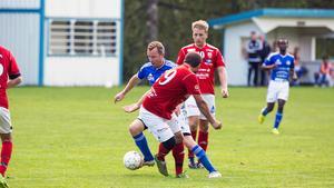 Mikael Ernebrink satte 1–0.