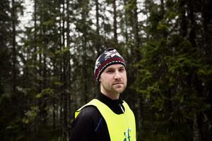 Håkan Lönnefors, fritidschef i Härnösand, avråder alla från att vistas i området kring Vårdkasen.