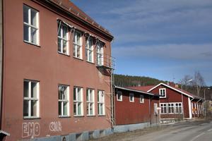 I mitten av 1990 -talet avvecklades skolan definitivt. Småskolan blev daglokaler för handikappomsorgen och gamla folkskolan blev kommunens arbetscenter Mård.