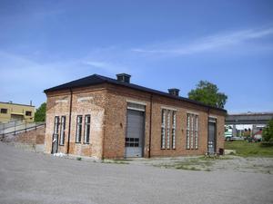Här i det gamla kraftverket håller Konstkraft Ljusne till med sina utställningar i sommar. På lördag invigs årets sommarsalong.