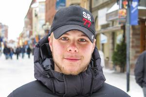 Jon Wallén, 21 år, Torvalla: – Det är nog varje dag som vi gapskrattar, jag och polarna. Vi skrattar med varandra och åt olika saker.