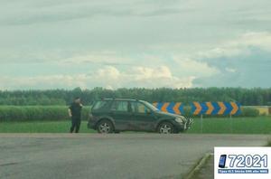 Polisen fick köra upp bilen till vägen.