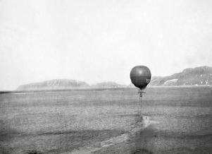 Jonas Stadling, från Oviken, var den som tog de sista bilderna på luftballongen under den mytomspunna Andréexpeditionen. Sedan försvann den för alltid.