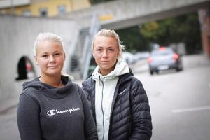 Lydia Bratt och Emelie Södergren Möller tycker att det är svårt att ta in helgens händelser.