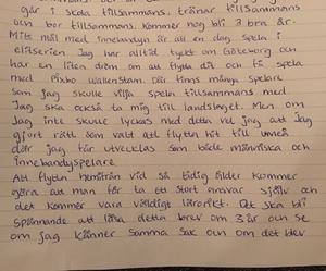 Madelen Jonssons brev till sig själv vilket hon skrev som 16-åring och fick tre år senare, dagen hon slutade på innebandygymnasiet i Umeå.