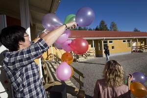 Katarina Ström trixade med festballongerna.