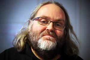 Gunnar Abrahamsson, ordförande för Strömsunds Bordtennisklubb, är nöjd med den nya formen på Dundersmashen.