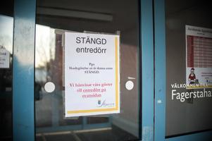 Under mellandagarna stängdes nedre entrén till Fagerstahallen. Den hann inte vara öppen i mer än fyra dagar innan den utsattes för skadegörelse igen.