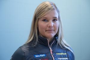 Skicrossåkaren Anna Holmlund flyttar hem till Sundsvall.