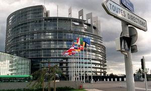 """Istället för att bidra till diskussionen """"för eller emot"""" ska vi ta vara på de möjligheter som europasamarbetet ger oss att lösa, skriver Saila Quicklund (M), inför EU-valet 7 juni."""