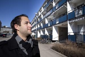 Wissam Melhem kände väl till Haga och hade till och med bekanta i samma bostadsrättsförening, så han hade goda kunskaper då han budade innan visning och fick sin lägenhet på Norra Skjutbanegatan. Hit flyttar han och flickvännen i slutet av april.
