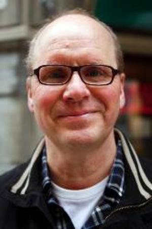 Martin  Kluge,  Östersund:– Ja, det är väl att man snubblar in och läser ibland, särskilt om det är nån man känner som är med.