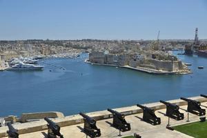 Den medeltida hamnen i Valletta blev under andra världskriget en av historiens mest bombade platser. I dag är förbluffande mycket återställt.