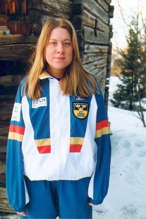 Året är 2002 och Nina Bertrup är instruktör för nybörjaren Marita Lyrot.