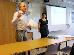 Morgan Persson och Hanna Wickström presenterade rapporten.