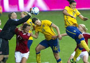 Första play-offmatchen i VM-kvalet för damer mellan Sverige och Danmark vann Sverige med 2-1.Foto: BJÖRN LARSSON ROSVALL / SCANPIX