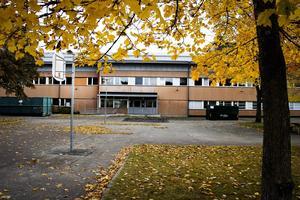 Sörbyskolans renovering ska nu påbörjas. Den gamla högstadiedelen är först ut i renoveringen.