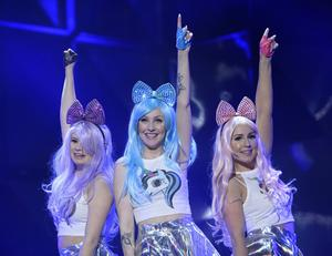 Dolly Style med låten