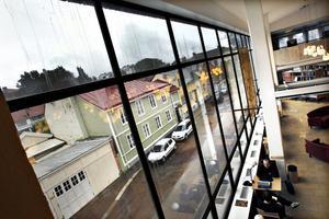 Ännu ett bibliotek som väntar på renovering och värdigare villkor: Gävle stadsbibliotek.
