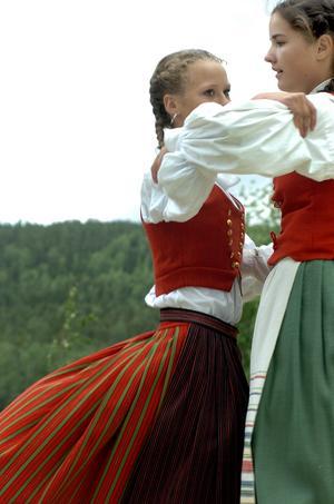Dans vid Hårgaberget.