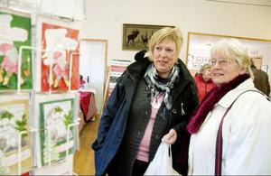 Anna Halvarsson och Anita Paulsson från Rätan var två av dem som besökte Kvarnsjö i lördags. Med sig därifrån fick de bland annat nygräddat tunnbröd.
