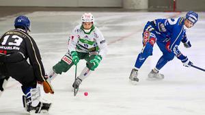 Lyckligare tider. Här är Pekka Rintala i färd med att göra mål mot Motala under januari 2013. Senaste säsongen förstördes av skador.