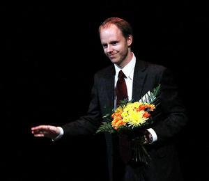 Sundsvall 42s stipendium på 25 000 kronor gick i år till Gustav Lidén som snart ska doktorera i ämnet E-demokrati.