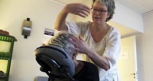 Katharina Lindahl Gray håller flera massagekurser under våren för den som vill lära sig att massera.