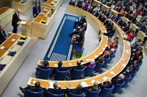 Fredrik Reinfeldt har fått mycket kritik för hur han styr riksdagens majoritet. För han Moderaterna mot en kollektivistisk hållning?