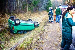 Det var glashalt på väg 644 vid lunchtid när olyckan inträffade.