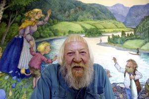 Rolf Lidberg (1930-2005) med några av sina troll.