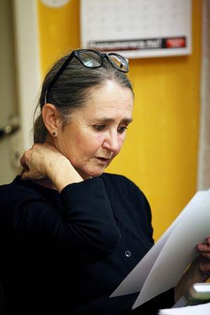 Ulla West har rötterna i Hallen, där pappa Oskar växte upp. Hon hoppas att projektet ska resultera i en bok.