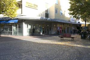 Kan Handelsbanken tänka sig att flytta från adressen vid gågatan för att ge plats för till exempel en klädkedja?