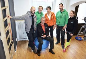 Niklas, Camilla, Björn, Maj, Micke och Helena älskar träning.