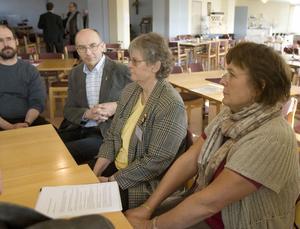 Centern är pragmatisk och personfrågorna löser vi senare förklarar Sven Bergström (C) Forsa och Anne-Marie Eriksson (C) Näsviken, som flankerar Ann-Marie Svala (FP) Delsbo.