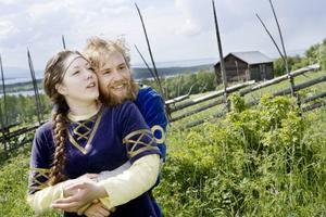 """I rollen som Arnljots älskade Gunhild ser vi Linda Åkergren, som gör rollen för andra året i rad. """"Det finns för få kvinnoroller  i dramat. Det är någonting vi måste utveckla"""", säger Linda som också sitter  i föreningen Arnljotspelens konstnärliga råd.Foto: Lars-Eje Lyrefelt"""