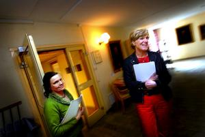 Bråttom. Maria Norrfalk hastar runt i Länsstyrelsehuset med länsrådet Inger Eriksson i släptåg. Tiodsschemat höll inte...