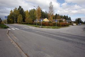 Vid Forsavägen i Sörforsa föreslås 40 kilometer i timmen, men i väntan på en gång- och cykelväg, föreslås att nuvarande hastighetsbegränsning ska vara kvar.