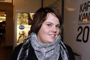 Josefin Nordell, 19, Iggesund– Julskinkan, utan tvekan.