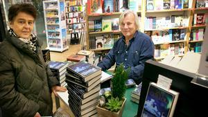 En som fick en bok signerad av Jan Guillou var Pirjo Ljungberg från Södertälje.