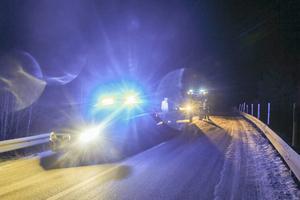 Trångt efter olyckan när räddningsjänst och polis fanns på plats för att hjälpa de olycksdrabbade och utreda olyckan.
